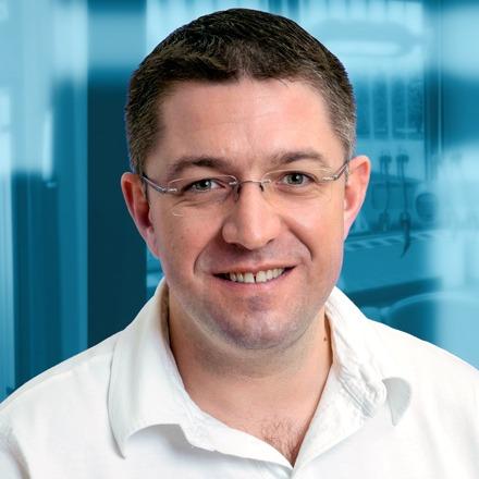 Dr György PÉTER