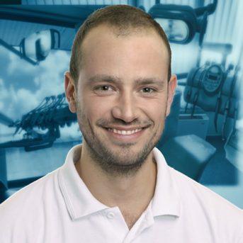 Dr Zsigmond VESZELY